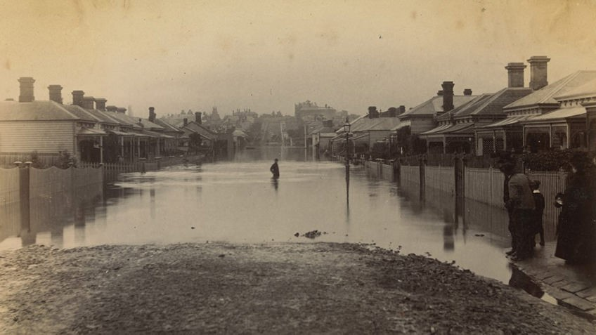 Flooding in Clara St, South Yarra, Melbourne, July 1891. Source: State Library of Victoria.